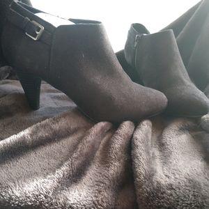 Comfort Plus by Predictions heels